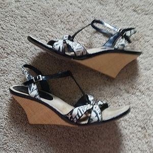 AEROSOLES Shoes - Black & White Wedge Sandals